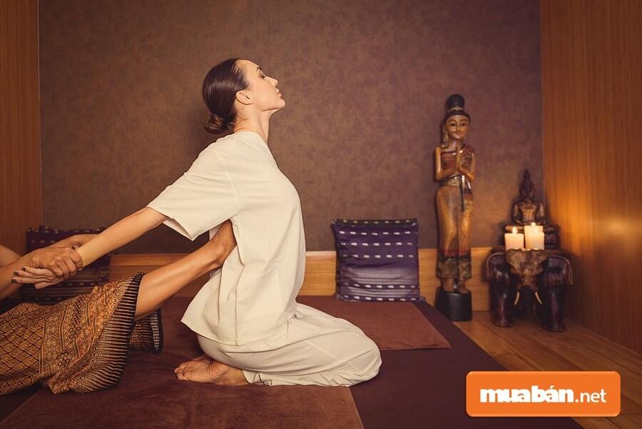 Massage Thái: Lợi Ích Và Những Điều Cần Lưu Ý Khi Trải Nghiệm