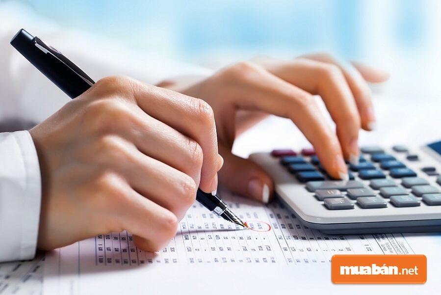 Khó đo lường và báo giá chính xác những ngôi nhà, công trình cần mua phế liệu.