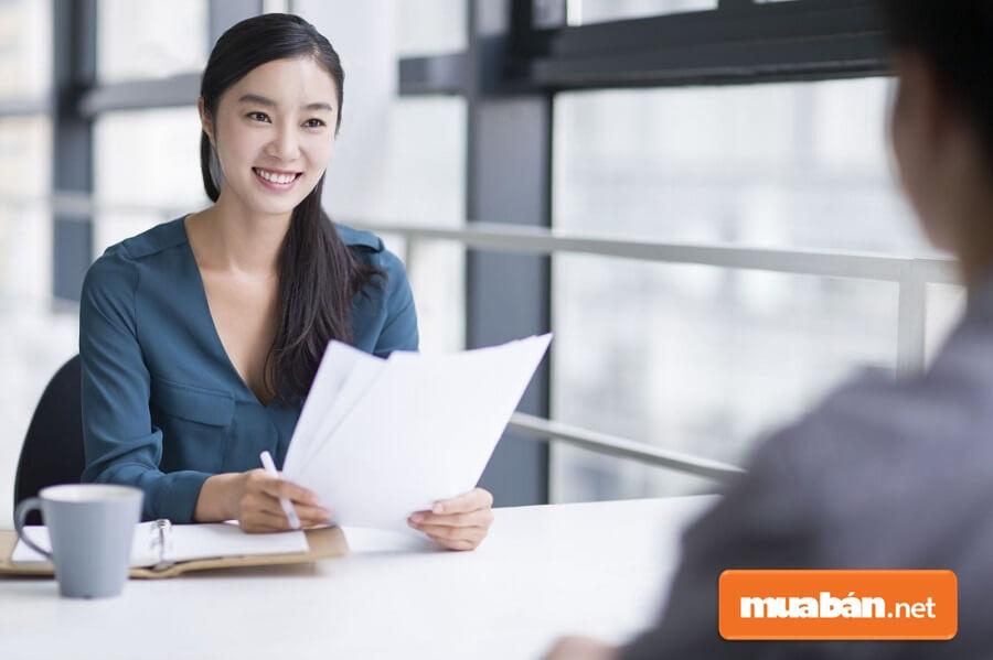 Tìm việc làm tại TPHCM không cần bằng cấp dễ không?