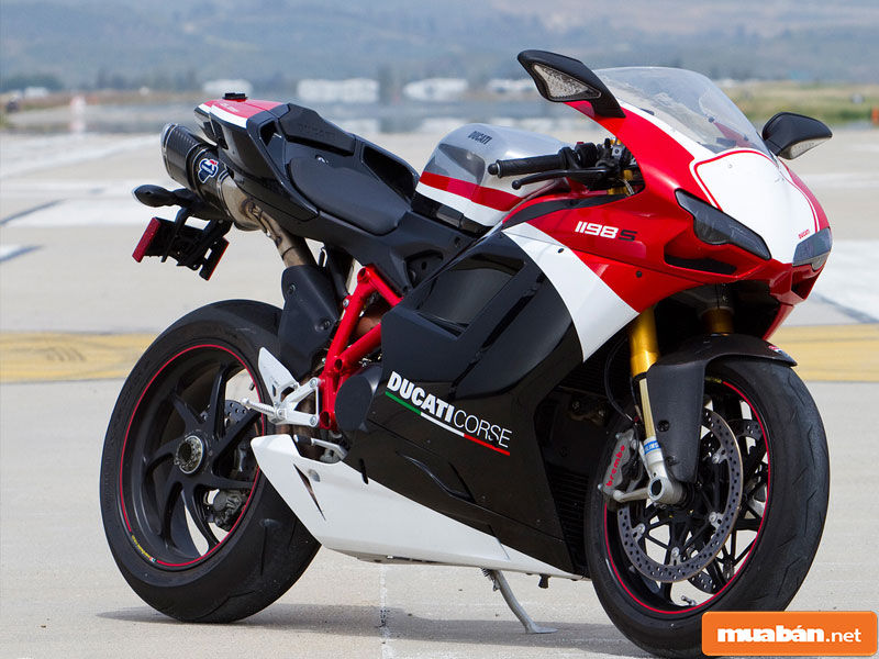 xe Ducati 09