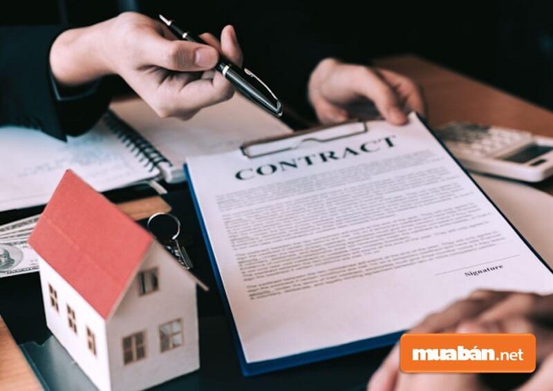 Bên thuê nhà ở chết hoặc có tuyên bố mất tích của Tòa án mà khi chết, mất tích không có ai đang cùng chung sống thì bên cho thuê có thể đơn phương chấm dứt hợp đồng.