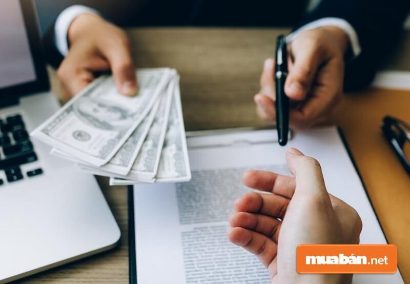 Bên cho thuê nhà ở có quyền đơn phương chấm dứt thực hiện hợp đồng thuê nhà và thu hồi nhà ở nếu bên thuê vi phạm hợp đồng.