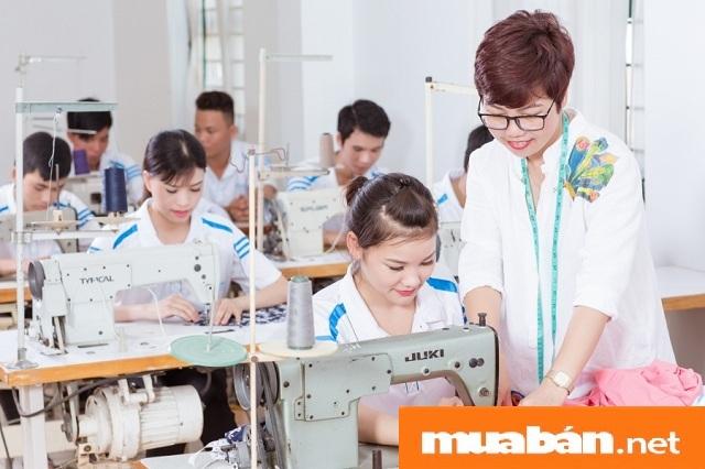 Thoi-Trang-Cong-Ty