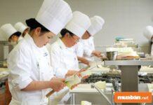 Nghề phụ bếp và những điều có thể bạn chưa biết