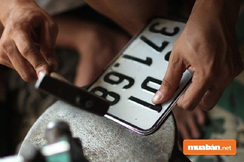 Nghiêm cấm mọi hành vi giả mạo hồ sơ, đục xóa số máy, số khung để đăng ký xe.