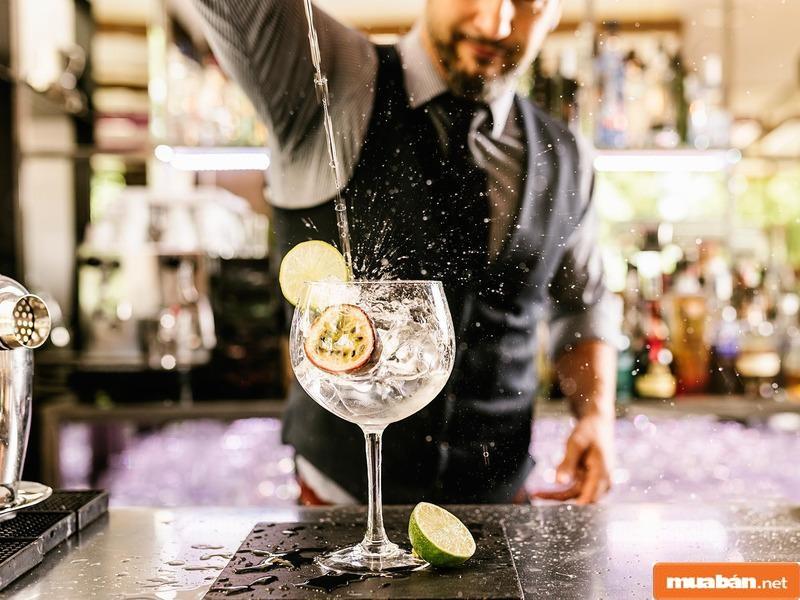 Bartender là một công việc còn khá mới mẻ nhưng lại có sức hấp dẫn thú vị