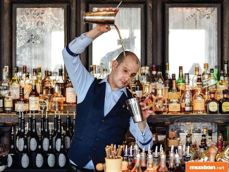 Bartender được xem là một ngành có mức lương tốt và nhu cầu tuyển dụng cao