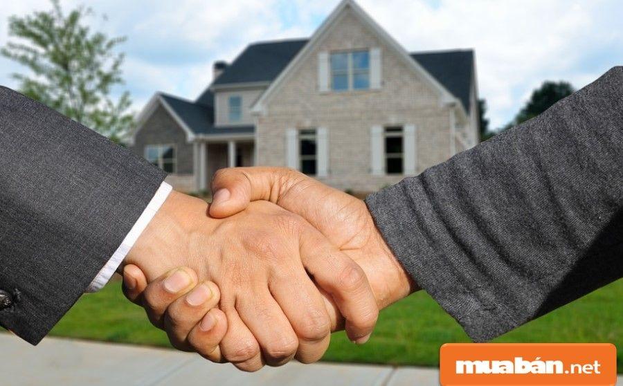 Nếu tìm được miếng đất phù hợp, hai bên sẽ thỏa thuận đặt cọc.