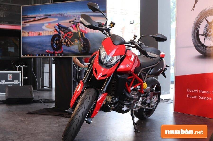 Ducati Hypermotard 950 2019 có giá bán 460 triệu đồng tại thị trường Việt Nam.