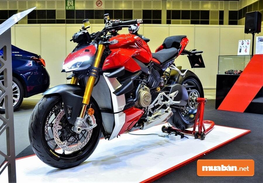 Streetfighter V4 đang nằm trong top những chiếc nakedbike mạnh nhất thế giới.