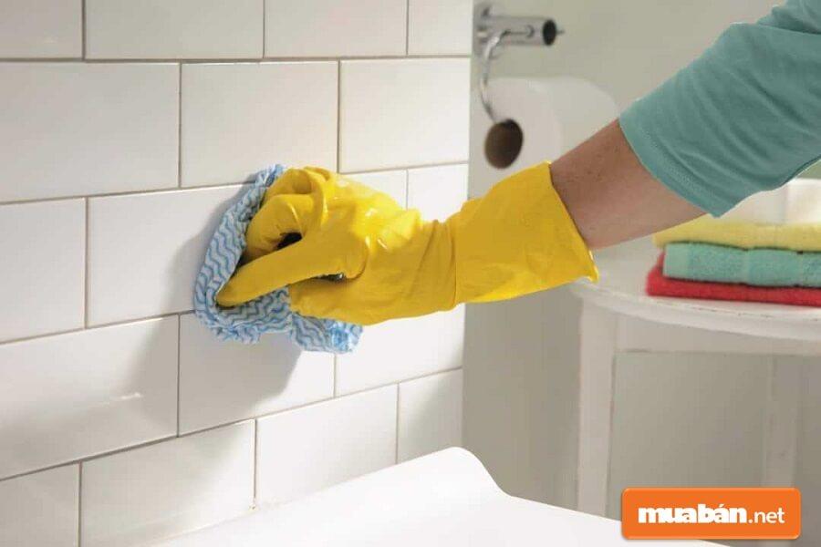 Dọn dẹp vệ sinh và đầu tư hình ảnh  chính là cách để bạn bán nhà nhanh chóng.