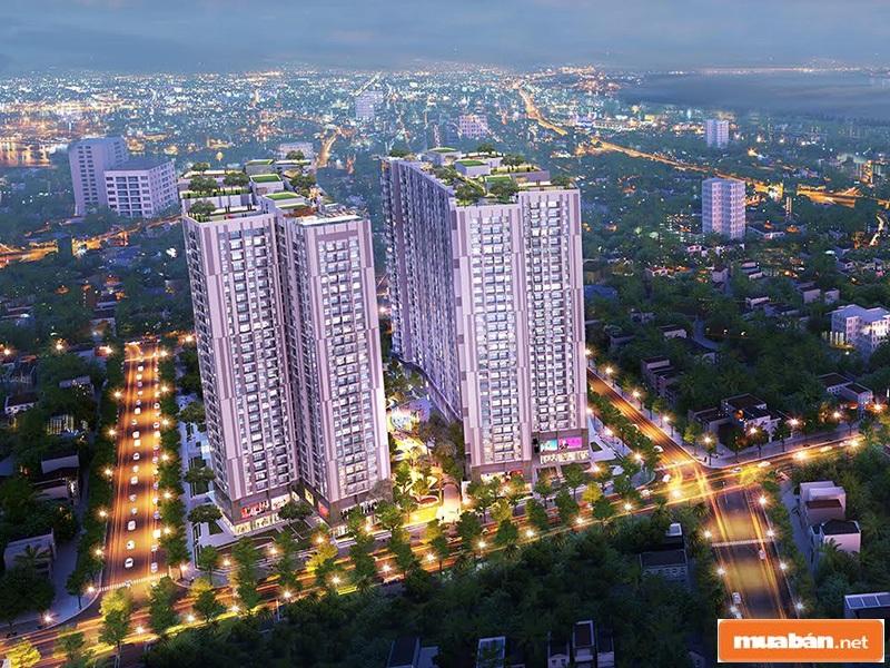 Toà nhà cao ốc lộng lẫy giữa thành phố về đêm