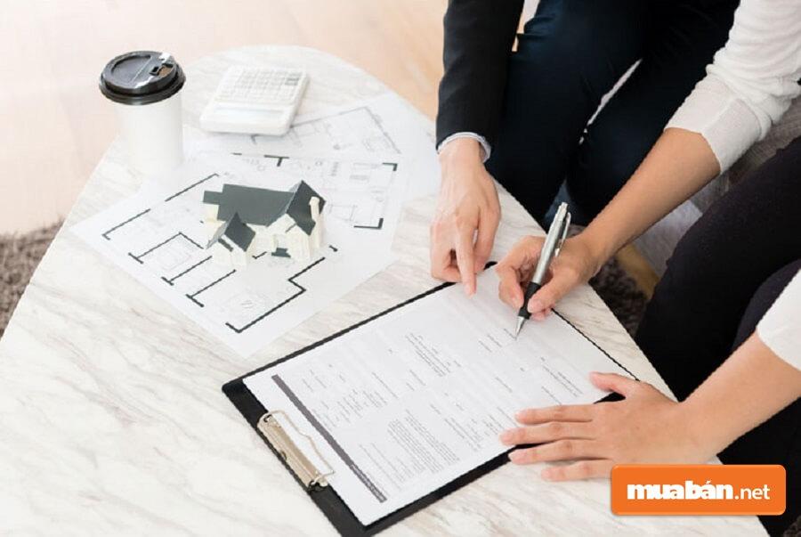 Để hoạt động mua nhà trả góp qua ngân hàng được diễn ra suôn sẻ bạn cần chuẩn bị đúng và đầy đủ các loại giấy tờ, thủ tục cần thiết.