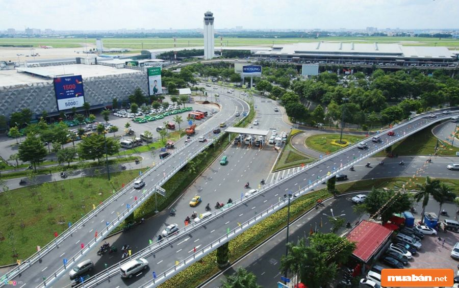 Hệ thống giao thông trong khu vực quận được chú trọng đầu tư kỹ.