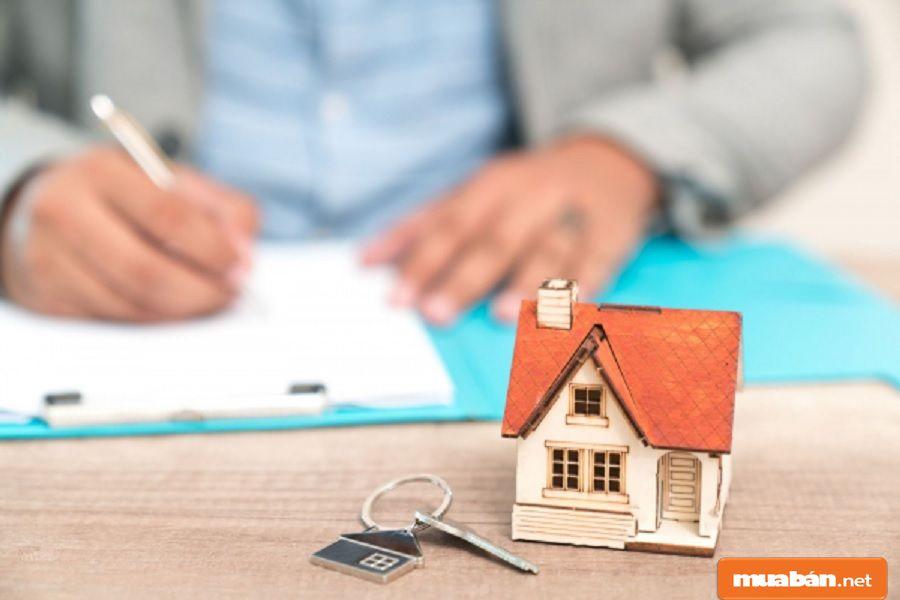 Hợp đồng cần ghi đầy đủ thông tin hai bên, giá thuê, hình thức trả tiền, thời gian thuê…
