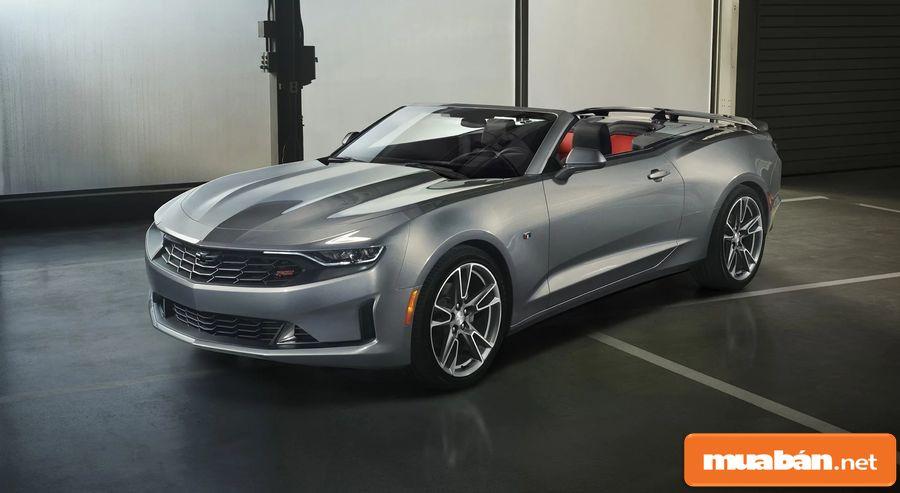 Chiếc xe được thiết kế với ngoại hình khá mạnh mẽ, đậm tính thể thao.