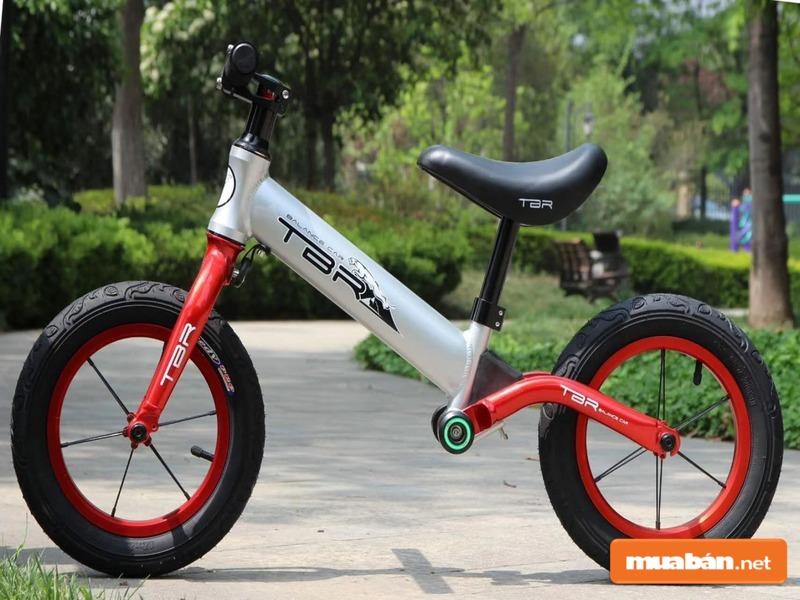 Xe đạp cân bằng là sản phẩm dành riêng cho trẻ nhỏ