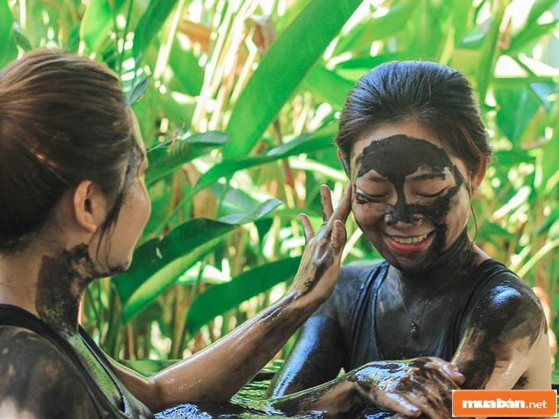 Yêu chiều làn da cùng với dịch vụ tắm bùn khoáng tại Bình Châu