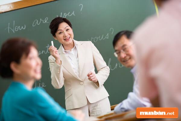 Tuyển giáo viên tiếng Anh