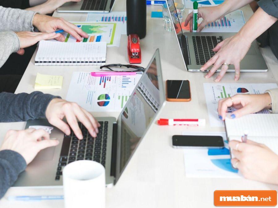 Truyền thông và marketing tốt sẽ giúp cho nền tảng công việc vững vàng và dễ phát triển nhất.
