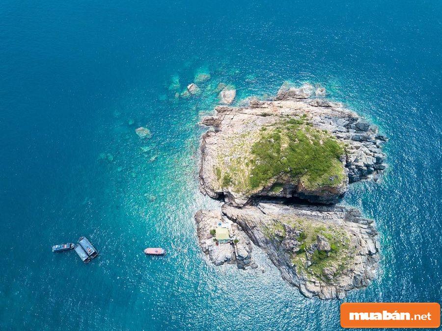 Đảo Hòn Mun Lại Là Một Trong Những Điểm Không Thể Bỏ Qua Khi Bạn Đến Nha Trang.