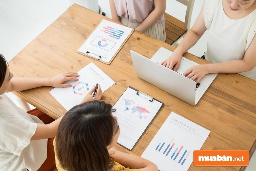 Biên bản cuộc họp (gọi vắn tắt là biên bản họp) là loại văn bản ghi lại những gì đã diễn ra trong buổi họp