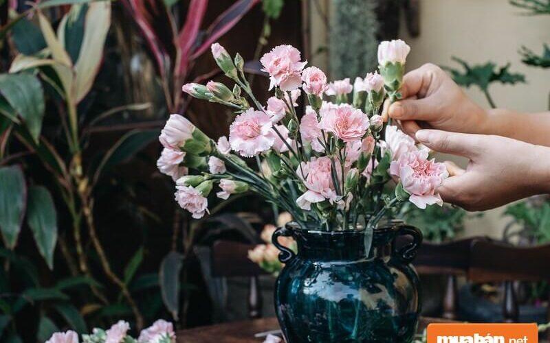 Cách cắm hoa trang trí Tết Nguyên đán ai cũng nên biết