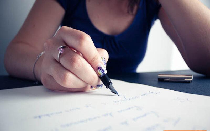 Với học sinh nhỏ tuổi, cha mẹ có thể viết đơn thay con