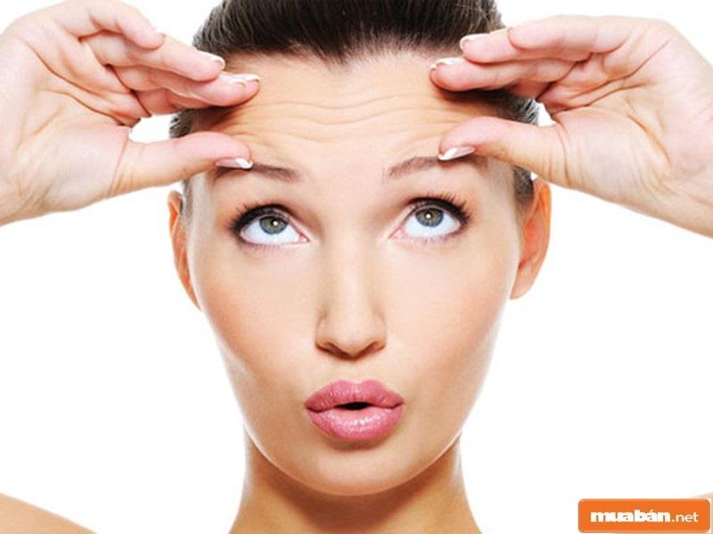 Massage vùng trán giúp giảm nếp nhăn