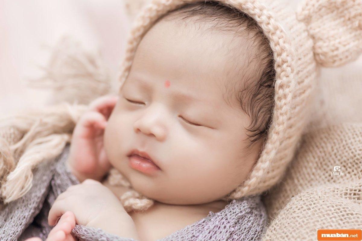 Xuất hiện từ rất lâu đời, bài cúng đầy tháng là một nghi lễ quan trọng trong năm tuổi đầu tiên của đứa trẻ