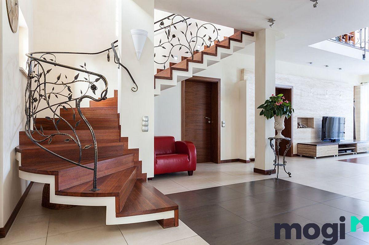 Loại cầu thang này được thiết kế với nhiều kiểu dáng đa dạng, phong phú.