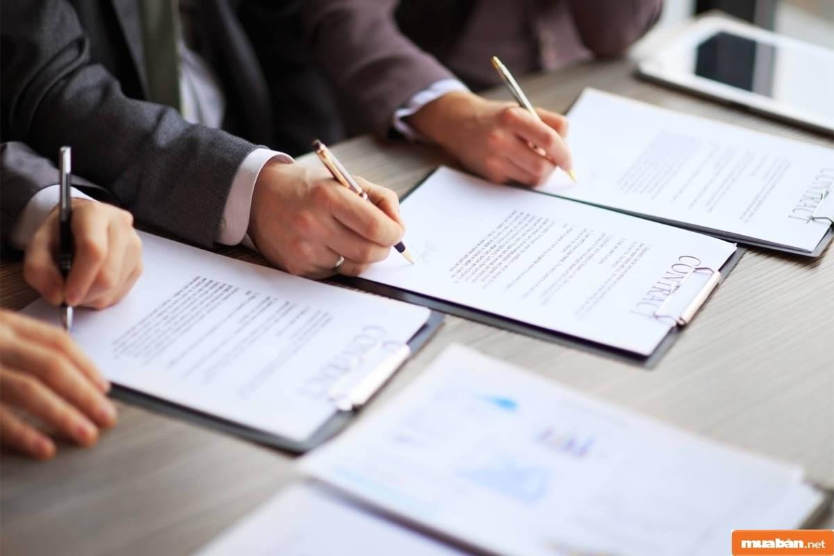 Thông tin các bên góp vốn phải thể hiện đầy đủ trong hợp đồng