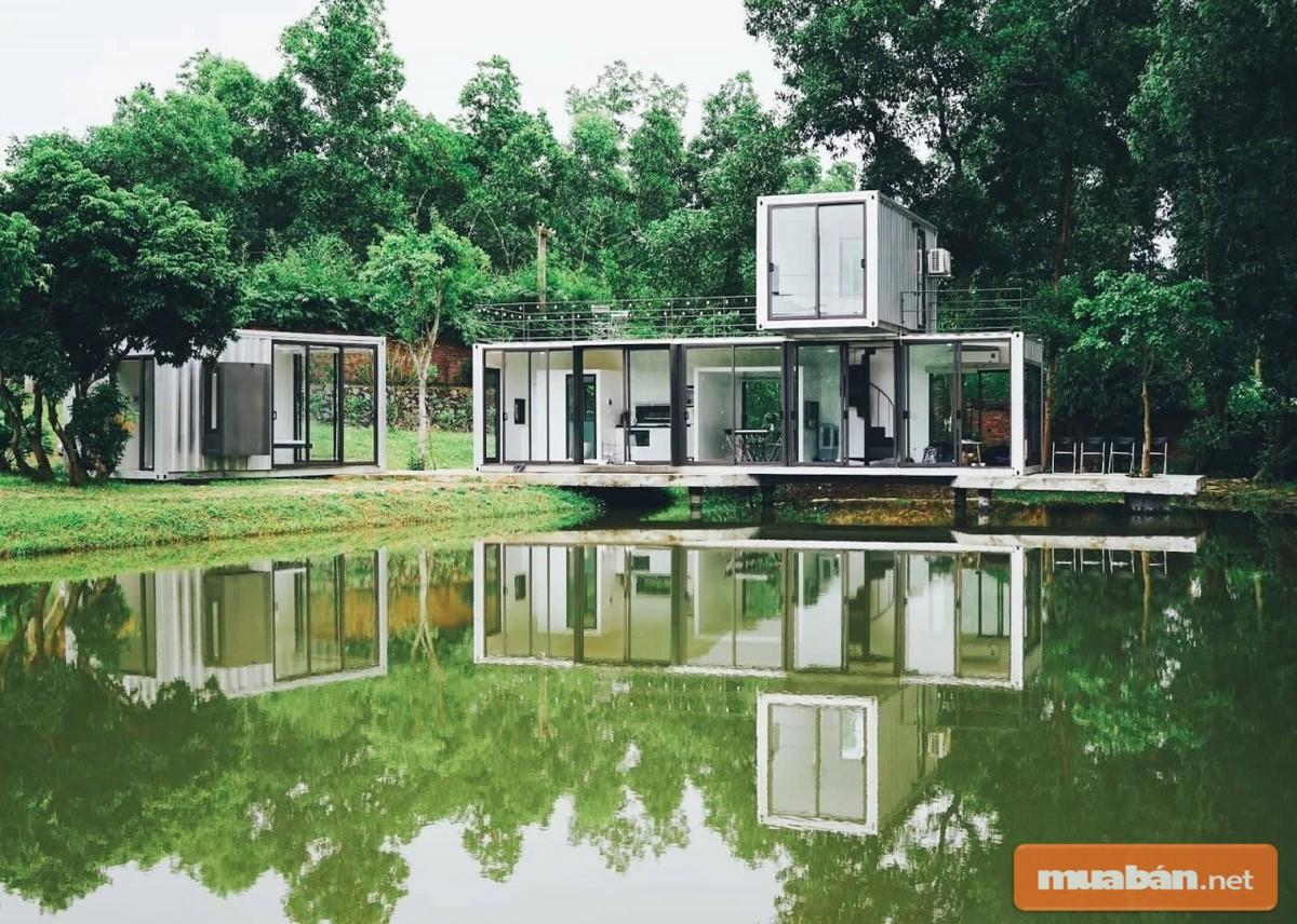 Một căn nhà tuyệt đẹp nằm bên hồ
