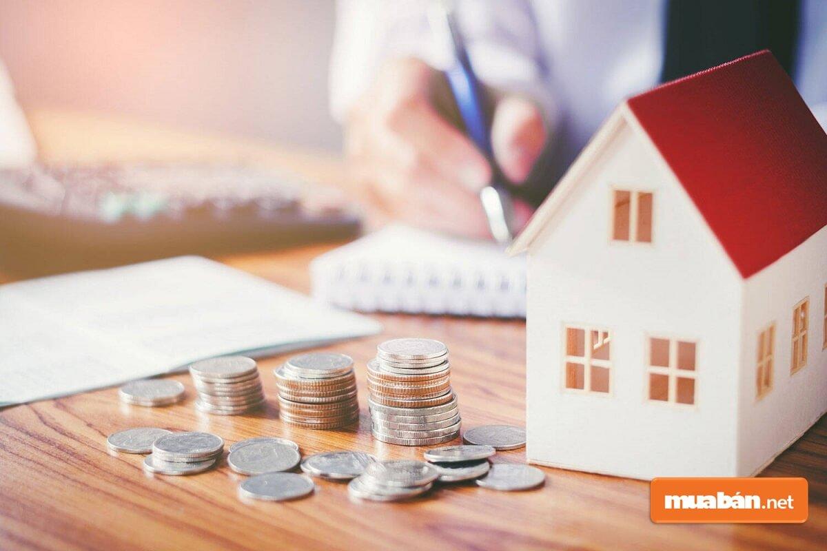 thuế trước bạ nhà đất là khoản tiền mà người sử dụng nhà đất phải nộp cho cơ quan thuế khi giao dịch nhà đất.