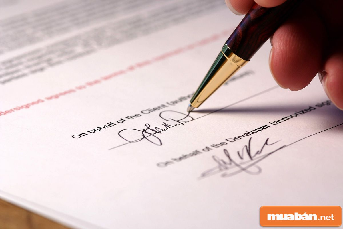 Sau khi hoàn tất hồ sơ vay tiền, bạn nên yêu cầu nhận lại một bản hoàn chính.