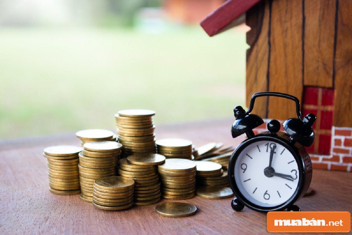 Nếu thời gian vay kéo dài thì sẽ kèm theo lãi suất sẽ ngày càng tăng.