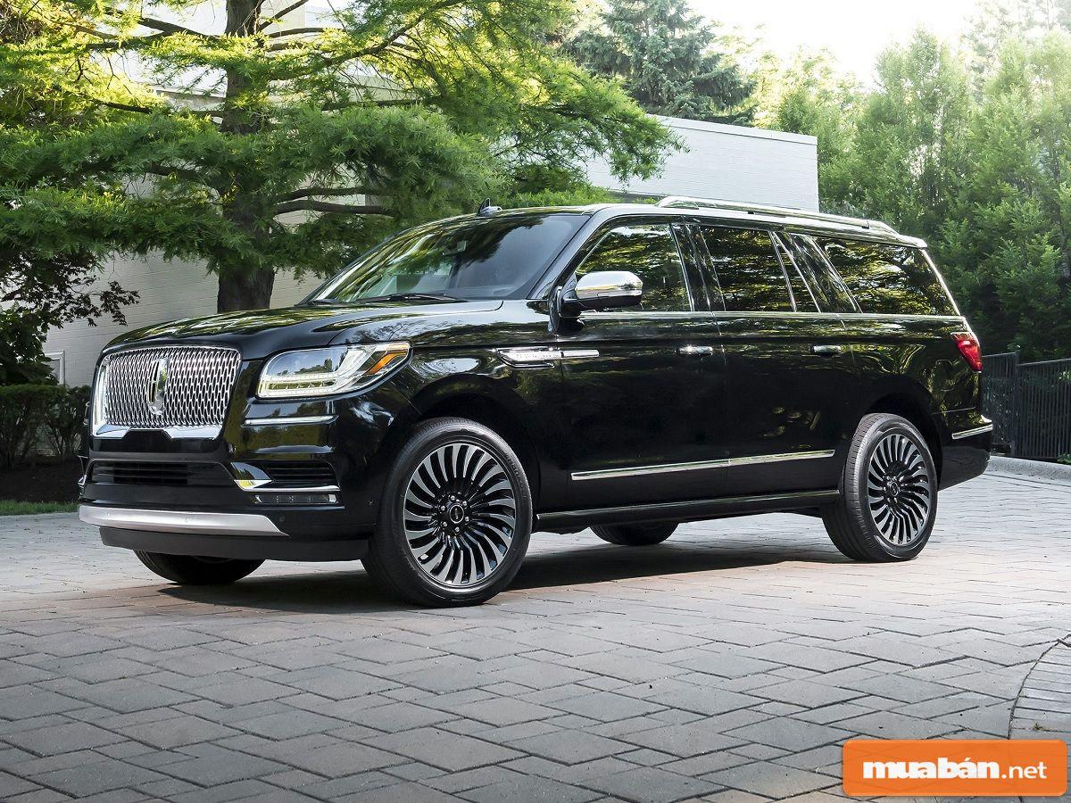Một số SUV kéo dài điển hình như Lincoln Navitator L, Cadillac Escalade ESV…