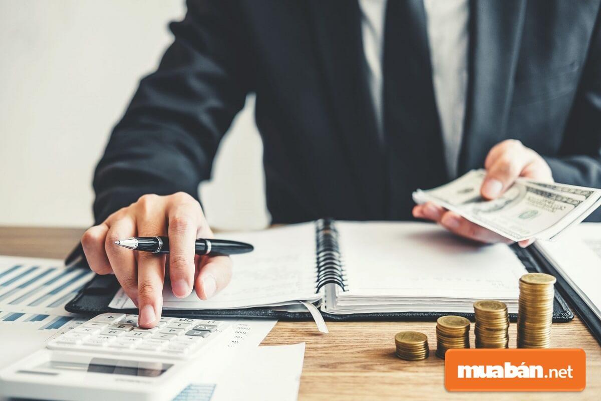 Sau khi mua hàng hoặc sau khi chi tiêu theo yêu cầu công việc người mua hàng hoặc người chi tiêu sẽ phải giấy đề xuất thanh toán.