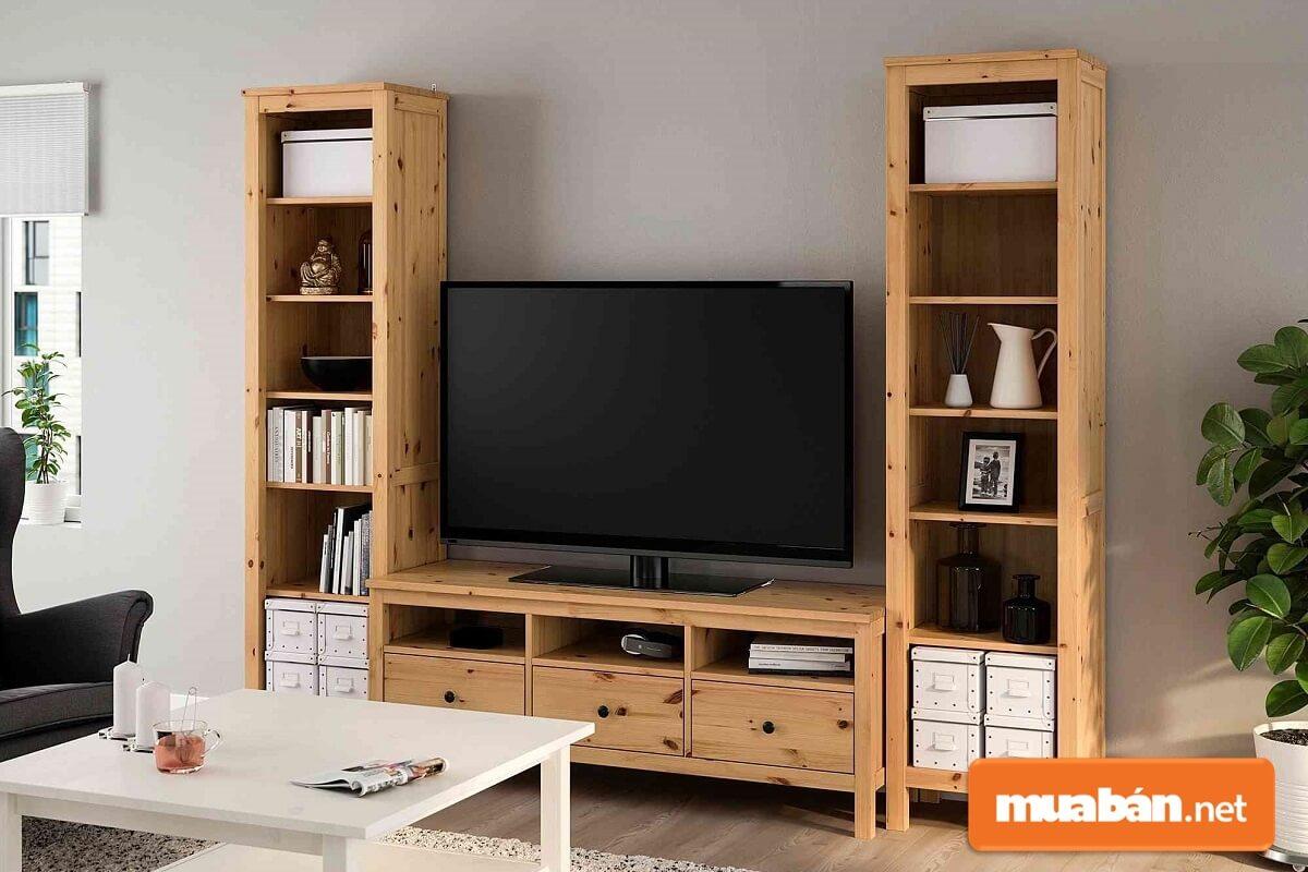 Kệ tivi sản xuất từ các loại gỗ công nghiệp như MDF, MFC và HDF cũng rất đa dạng.