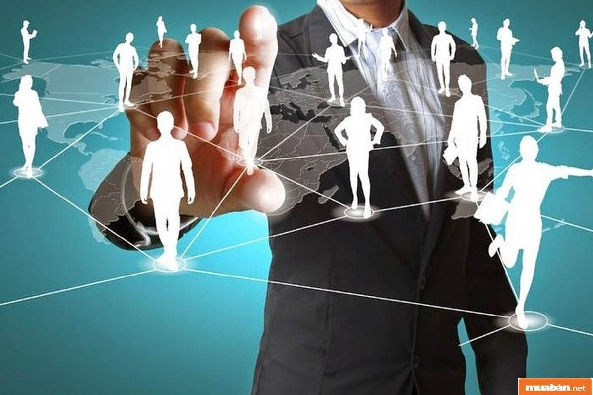 Sử dụng và quản trị con người 1 cách đúng đắn, khéo léo thì doanh nghiệp mới có thể tạo nên chiến lược phát triển lâu dài