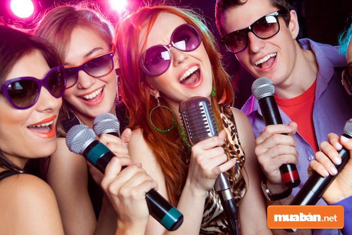 Tường cách âm thường được xây dựng cho quán karaoke