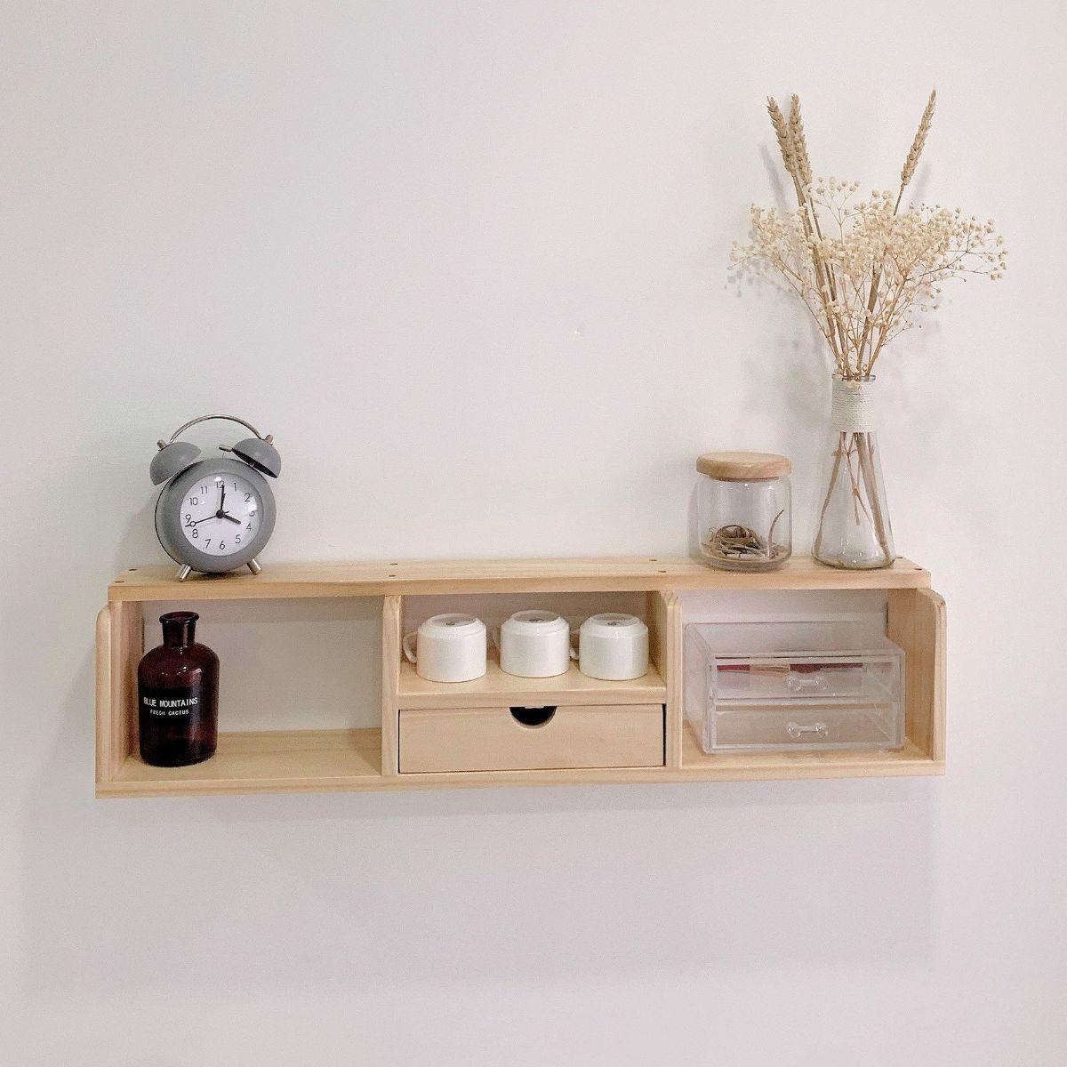 Một mẫu kệ gỗ trang trí tường