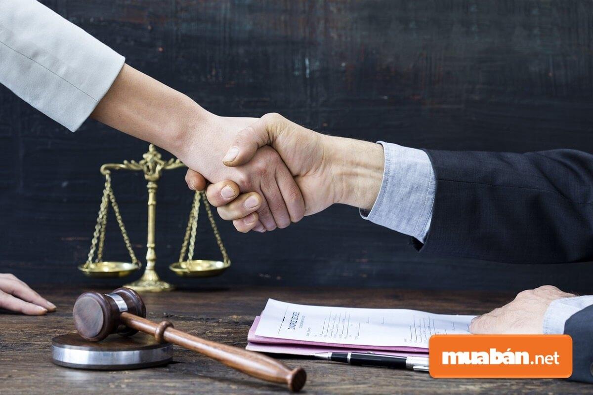Hợp đồng nguyên tắc là khái niệm chỉ tên của một loại hợp đồng thể hiện sự thỏa thuận, định hướng trong việc mua bán hoặc cung ứng hàng hóa/dịch vụ giữa các bên.