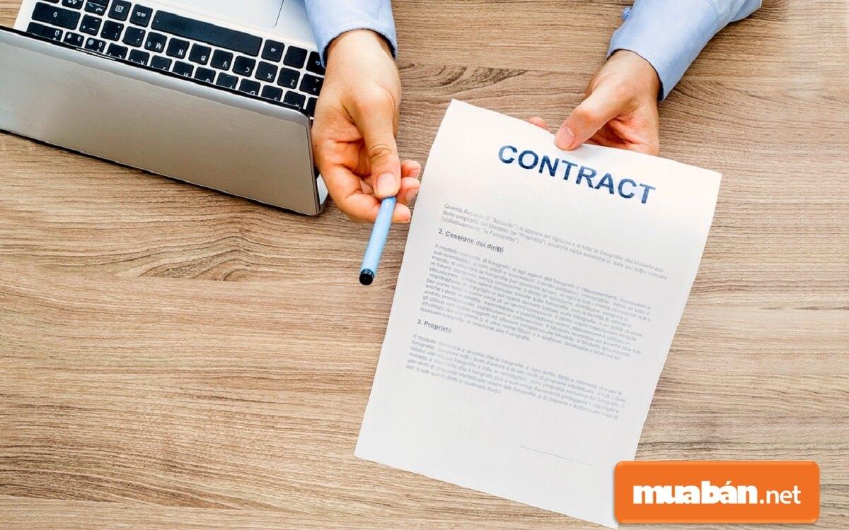 Nguyên tắc soạn thảo hợp đồng phải đảm bảo đầy đủ những yếu tố về hình thức và nội dung, theo quy định của pháp luật