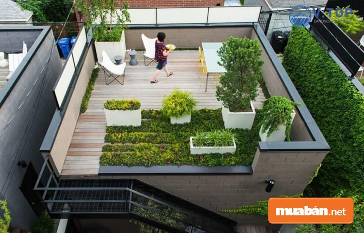 Những khu vườn trên sân thượng có diện tích nhỏ hơn. Do đó, cần có sự cân nhắc và lựa chọn những tiểu cảnh phù hợp.