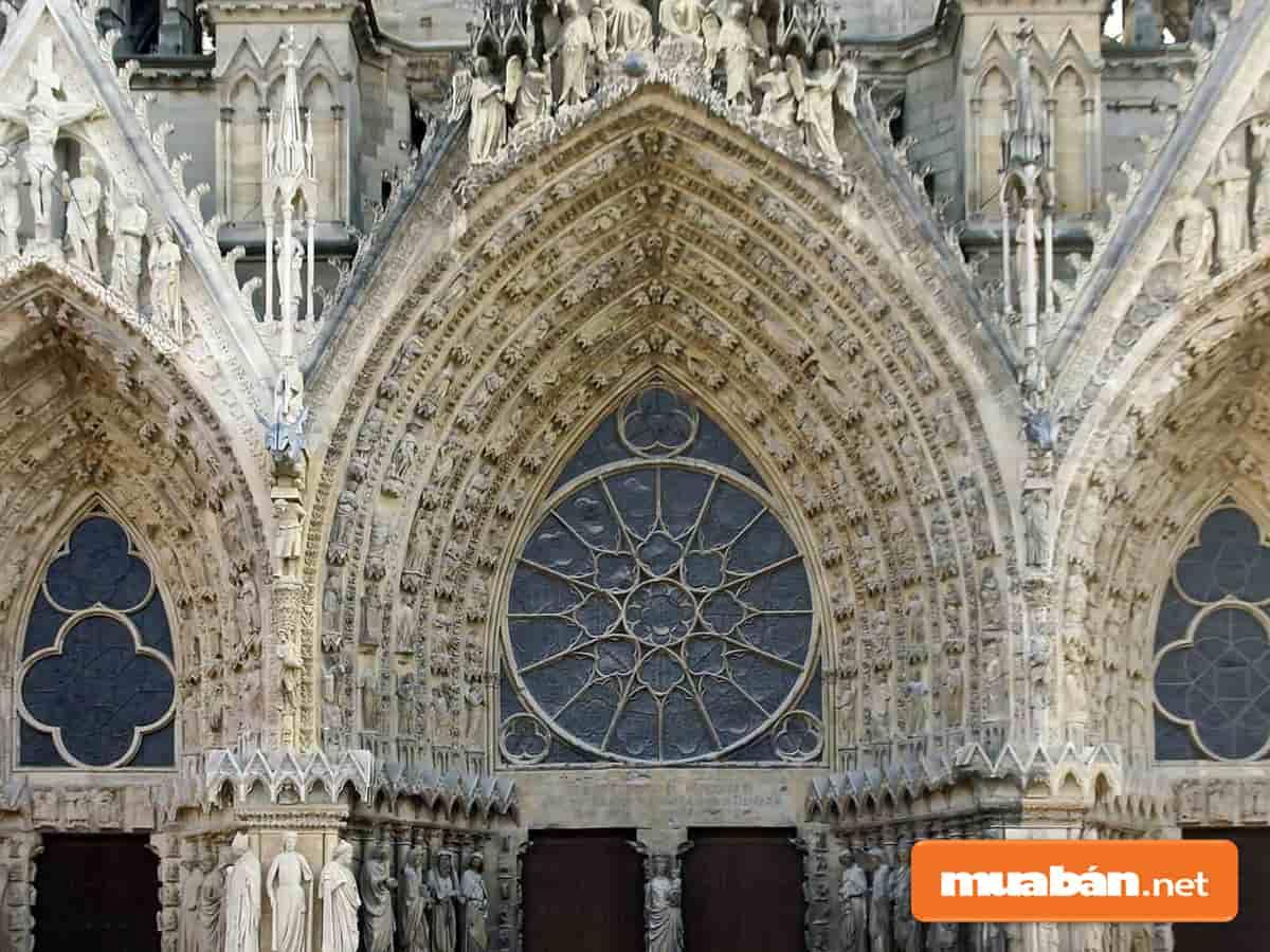 Đặc trưng nổi bật của kiến trúc Gothic