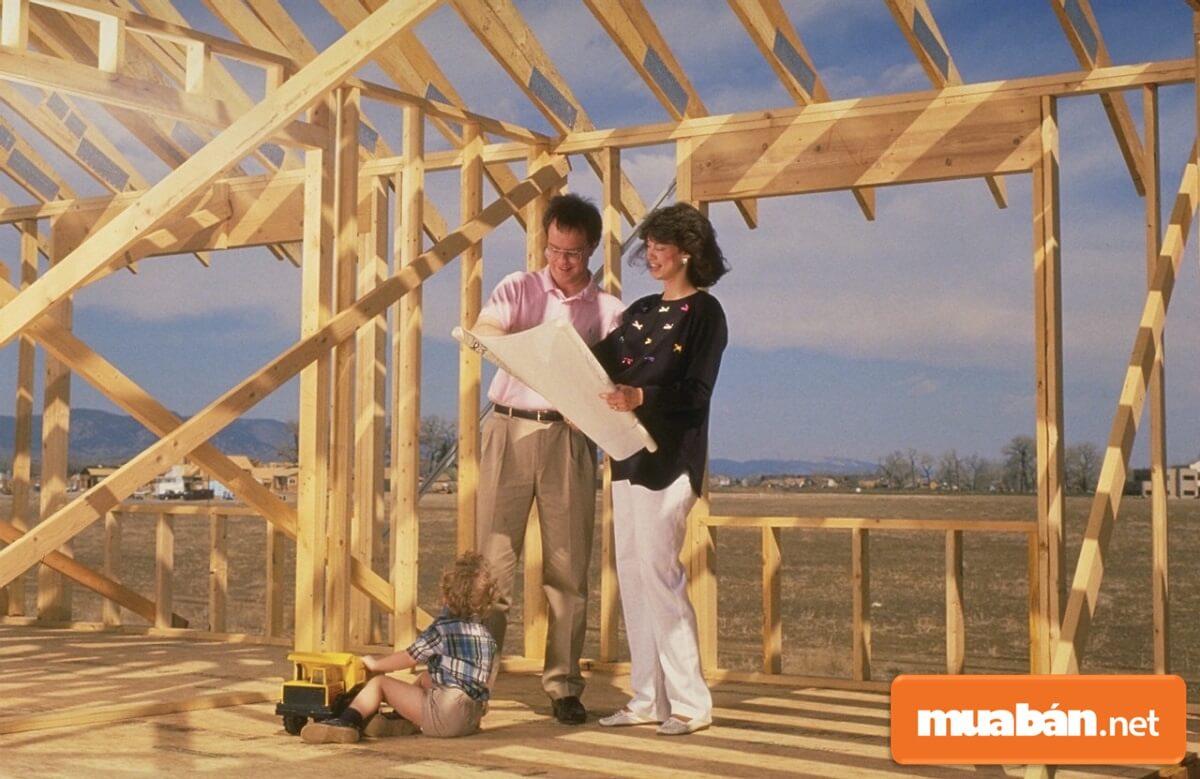 Khi xem tuổi xây nhà sẽ dựa theo tuổi của người đàn ông là trụ cột của gia đình đó.