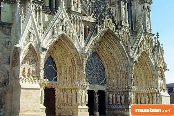 Kiến trúc Gothic – Sang trọng, bề thế và đậm dấu ấn nghệ thuật