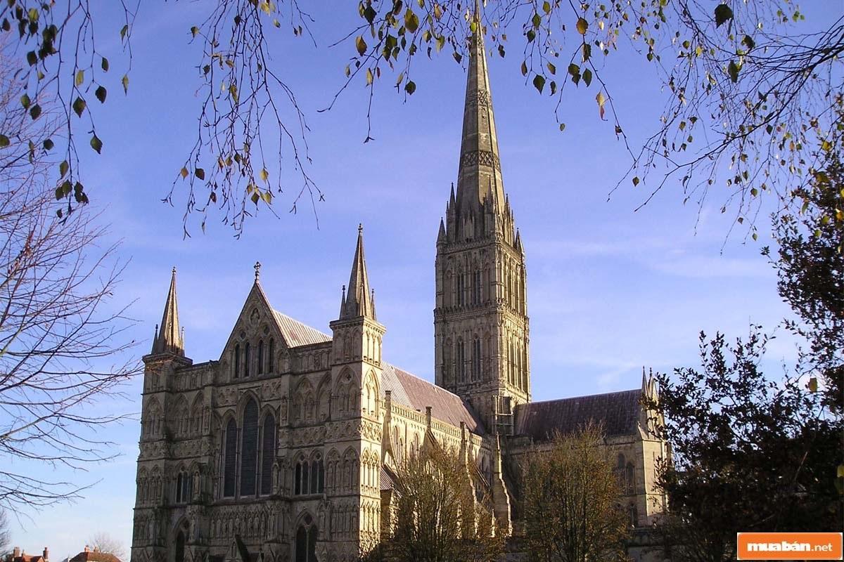 Phong cách Gothic trải qua 1 giai đoạn định hình và phát triển khá dài