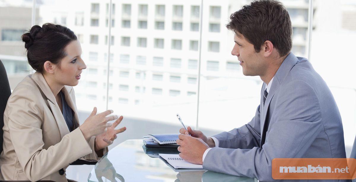 -Hãy tạo mối quan hệ với mọi người xung quanh, vì họ có thể sẽ trở thành khách hàng của bạn.